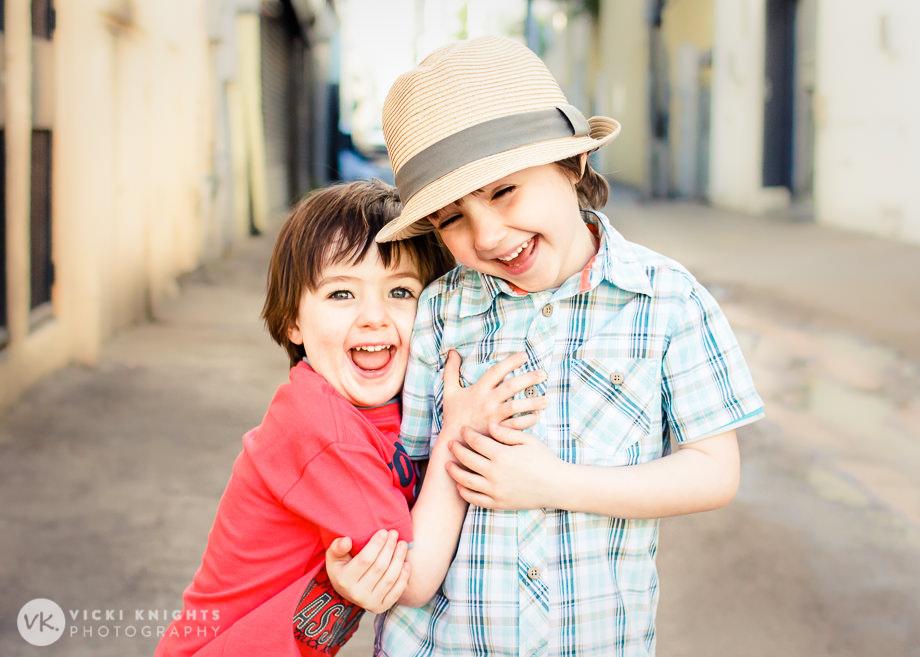 miami-boys-laughing-01