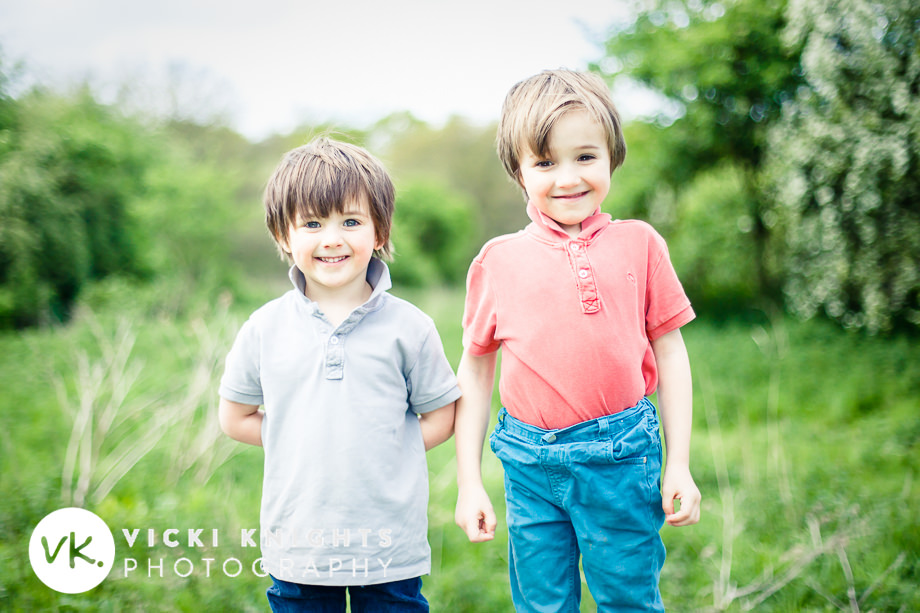 tips-photographing-kids-in-flowers-vicki-knights-01